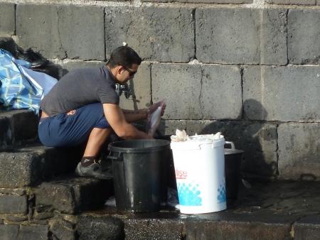 Fischer am Hafen